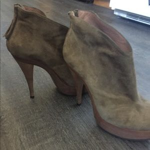 Pura Lopez stacked bootie 38 suede 7.5